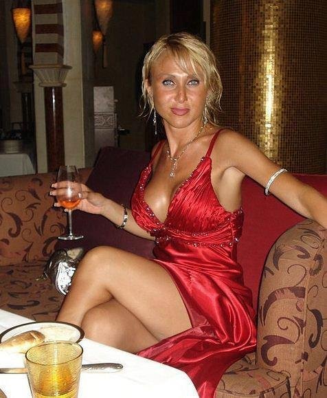 Ici à Toulouse, une femme mûre bien chaude n'attend que toi pour un plan cul