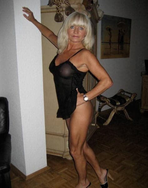 Sandy vieille mature 52 lingerie